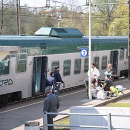Trascinato e ucciso dal treno  tra Albate e Cucciago