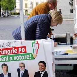 Primarie Pd , plebiscito  per Renzi con il 79%