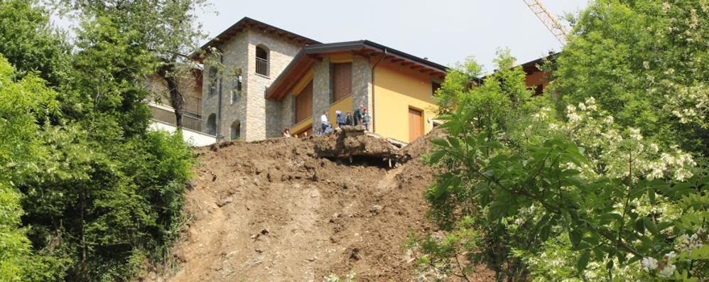 Frana a Torre De' Busi  Sei famiglie via dalle case