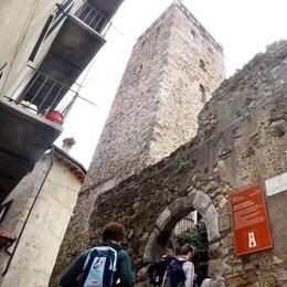 In gita scolastica alla torre o alla Guzzi  Mandello sempre più meta turistica
