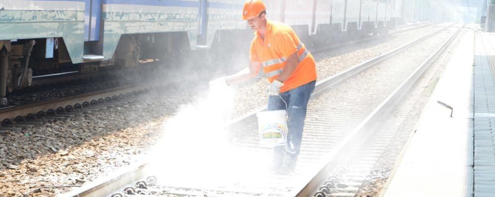 Travolto dal treno in partenza  Grave un ragazzo a Olgiate