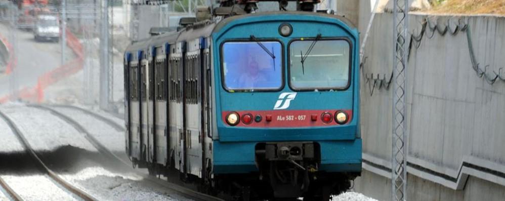 Olgiate, in  bici attaccati al treno in corsa  Le sfide con la morte degli adolescenti