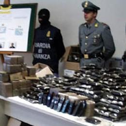 Maxi sequestro di cocaina e marijuana  Droga nascosta in due box nel Comasco