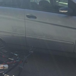 Contro un'auto in bicicletta  Grave dodicenne di Merate
