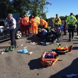 Il cuore si ferma dopo l'incidente  Rianimato da un passante, ma è grave
