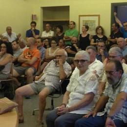 Niente parcheggi in piazza Garibaldi  Residenti infuriati all'assemblea sulla ztl