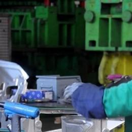 Produzione industriale positiva  Ma il credito langue