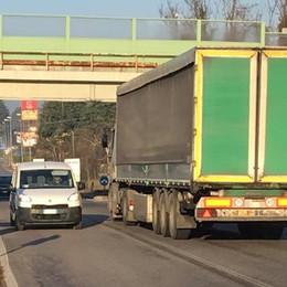 Ponte di Bevera, si attendono le prove  Intanto le auto e i camion passano