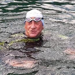 Leo Callone, l'impresa è riuscita  Ha nuotato da Moltrasio a Argegno