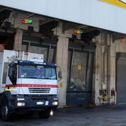 Valmadrera, riparati i danni dell'incendio  Silea: «La linea 3 del forno è già ripartita»
