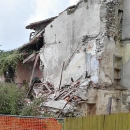 Calolzio, macerie area Gamba  Pochi giorni per rimuoverli