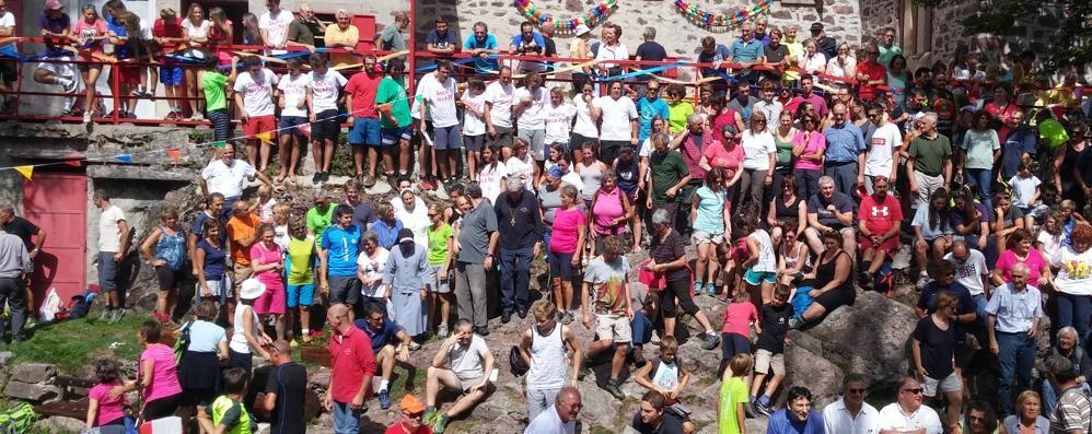 Introbio. In Val Biandino  festa per 300 alla casa Pio X