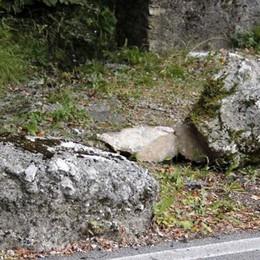 Scarica di sassi a Roncaiolo  pericolo sulla strada per i Resinelli