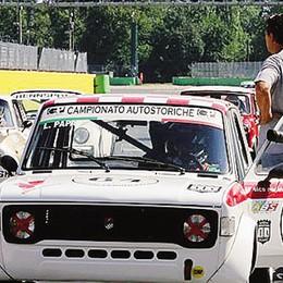 Campione italiano auto storiche  Loris Papa si coccola la  Fiat 128