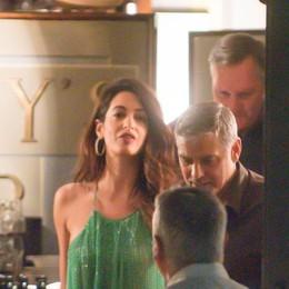 Maxi pullman per i Clooney's  Finita la vacanza sul Lario