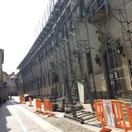 Il Comune mette mano al portafoglio  Un milione per il collegio e la piazza