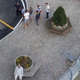 Premana, piazza della Chiesa pedonale  Ingresso regolamentato dal dissuasore