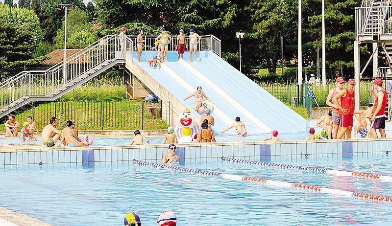 Piscina cantiere a fine anno il comune paga a lavori - Bosisio parini piscina ...