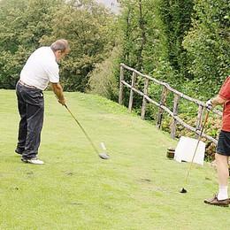 Si ribalta macchinetta del golf Menaggio, ferito anziano