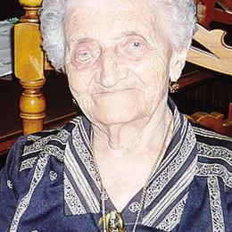 Nonna Lauretta ancora in forma  E oggi spegne 104 candeline