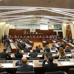 Spese pazze in Regione Il pm chiede il processo per 5 consiglieri lecchesi