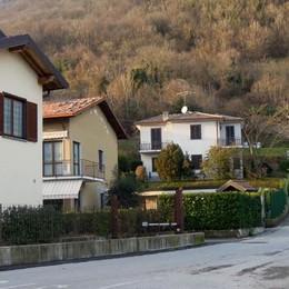 Ladri scatenati tra Asso e Castelmarte  Irruzione in casa del sindaco di Caslino