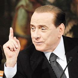 """Berlusconi affidato ai Servizi sociali  E gli darà lavoro un """"don"""" lecchese"""