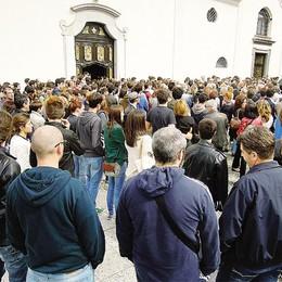 Erba, in mille al funerale di Alberto Zennaro