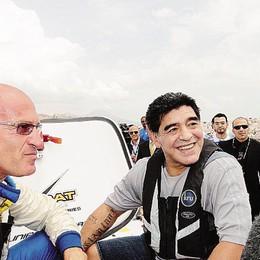 """La """"prova"""" di Maradona   sull'offshore di Nicolini"""