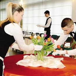 «La scuola ruba   i clienti ai ristoranti»