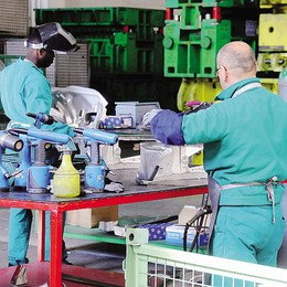 Il manufatturiero è più pesante  Vale  il 35,7% del Pil di Lecco