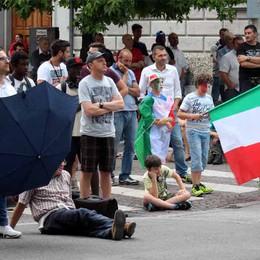 Mondiali, Italia fuori  Lecco, choc in piazza
