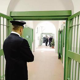 Lecco, violenza sessuale  sui cugini: in carcere