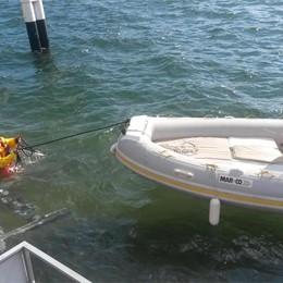 Cade in acqua, ci resta un'ora  Lo avvistano e chiamano il 118