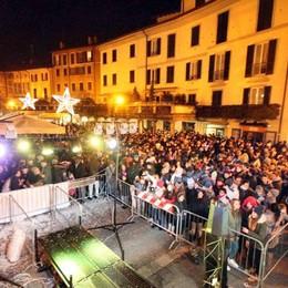 Il Capodanno in piazza a Lecco  Quattromila  tra musica e brindisi