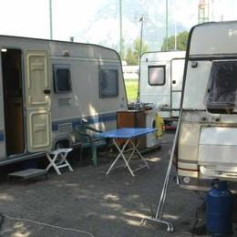 Emergenza nomadi al posteggio Bione  «Manca la sicurezza»