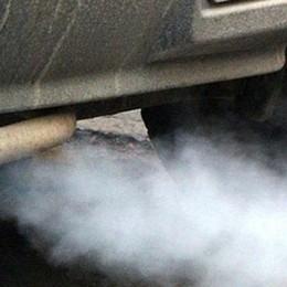 Le auto inquinanti  ora sono fuorilegge  in mezza provincia
