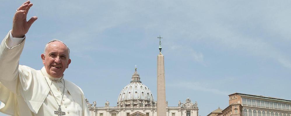 «Il Papa gode di buona salute»  Nuova smentita del Vaticano  alla notizia di un tumore