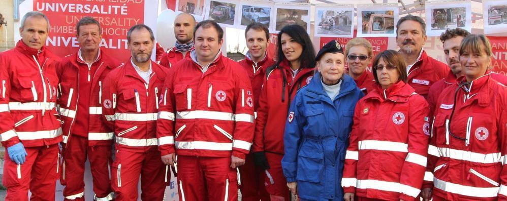 Croce Rossa, un piccolo esercito  Trent'anni di impegno e servizio