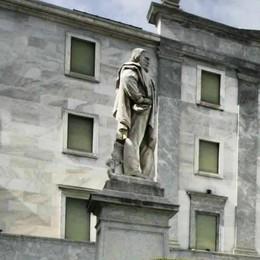 Riportiamo Garibaldi  al centro della piazza