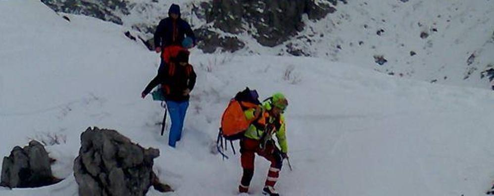 Due escursionisti dispersi una notte  «Bloccati su uno strapiombo del Livo»
