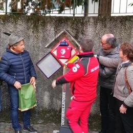 Gran festa a Galbiate  In dono il defibrillatore