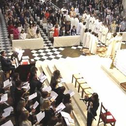 Il cardinale Scola  visita la città  Incontro in basilica