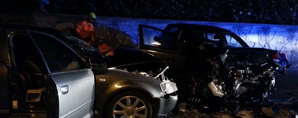 Spaventoso scontro nella notte  Cinque feriti sulla Regina