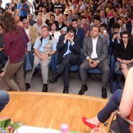 La Boschi dà la carica  al popolo democratico