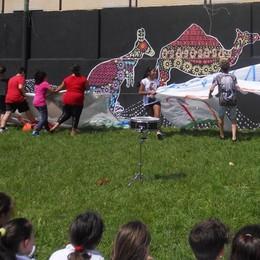 Medie e laboratori pomeridiani   Il murales firmato dai giovani
