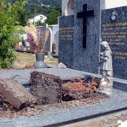 Calolzio, ladri di rame  Raid sacrilego al cimitero