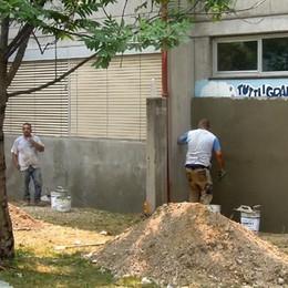 Erba, cancellato il murale degli alunni