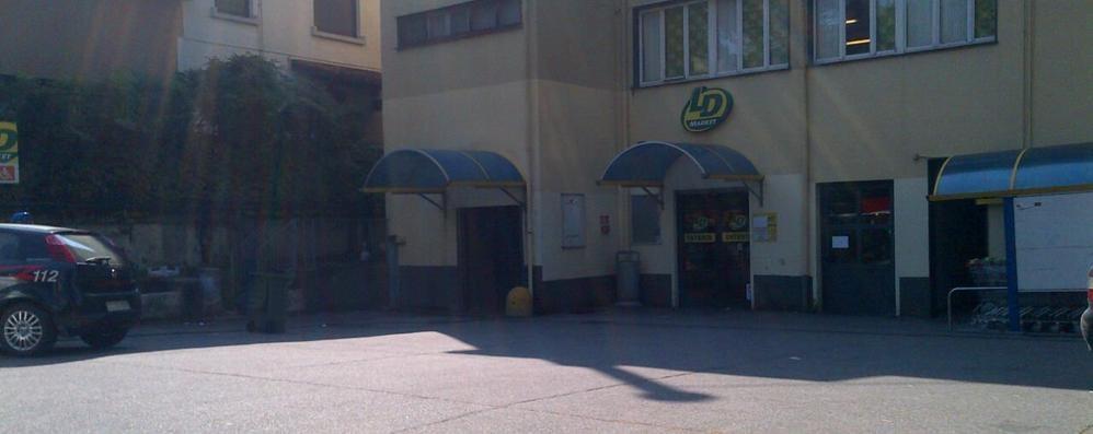 Rapina al supermarket Banditi armati e tanta paura