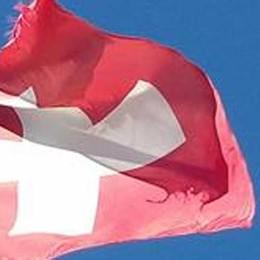 Svizzera batte Italia   La sfida delle bandiere sulla Sighignola